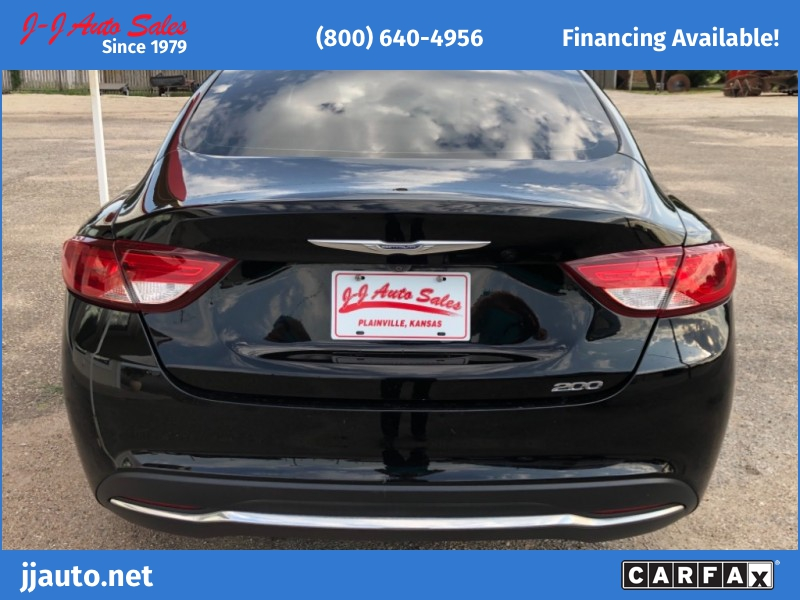Chrysler 200 2015 price $11,995