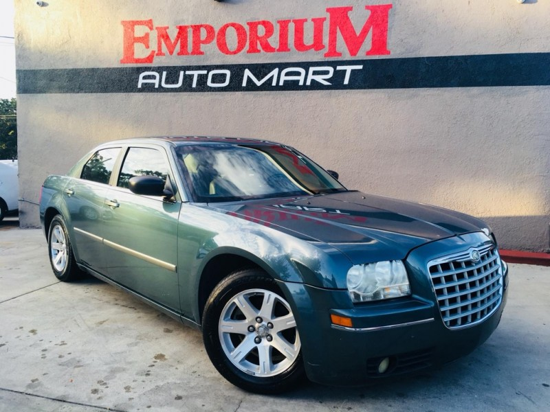 Chrysler 300 2006 price $4,444