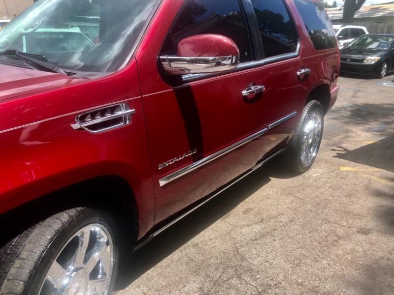 Cadillac Escalade 2010 price $17,900