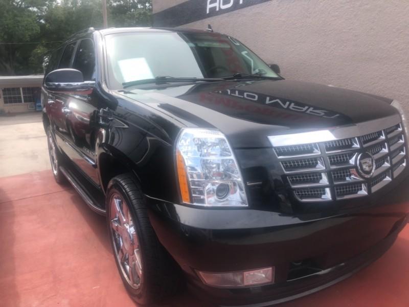 Cadillac Escalade 2010 price $16,999