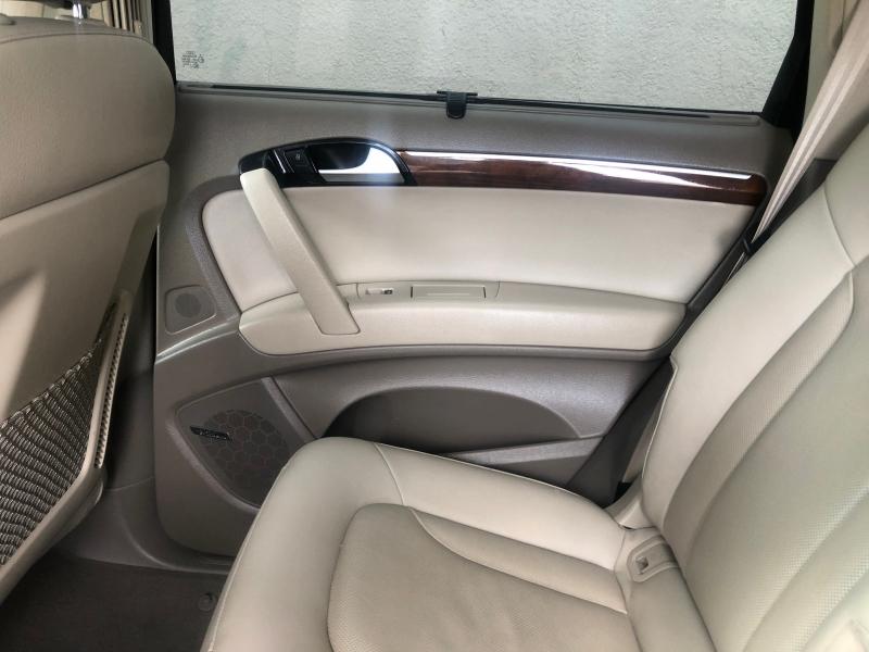 Audi Q7 2014 price $18,999