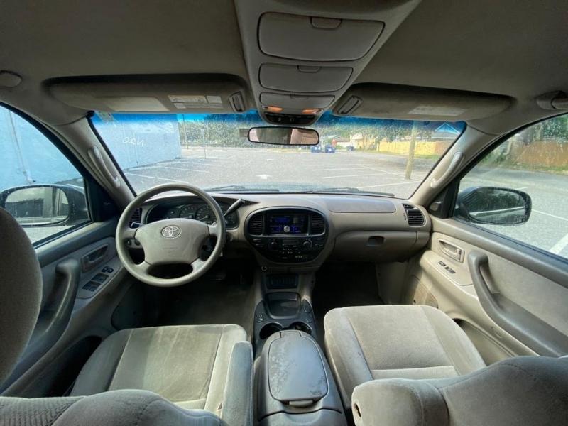 Toyota Sequoia 2005 price $9,999