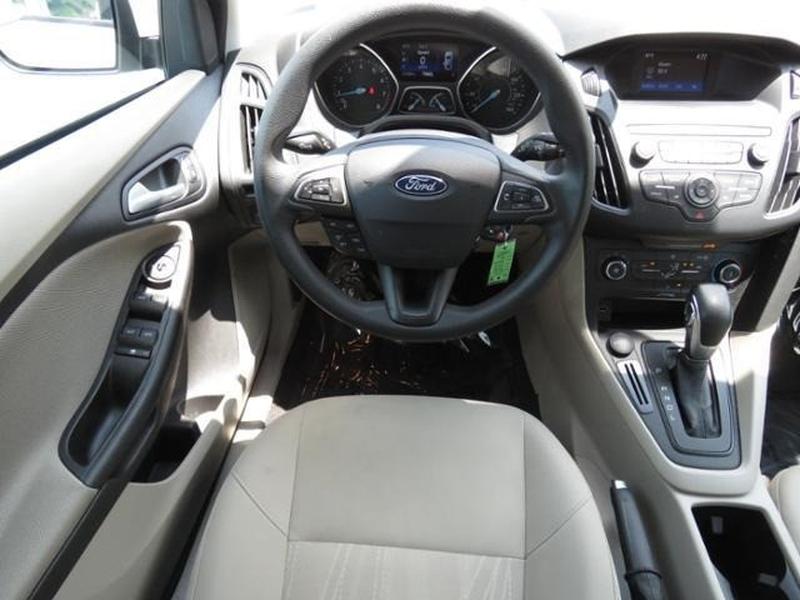 Ford Focus 2018 price $12,771