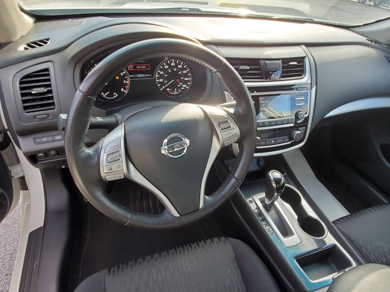 Nissan Altima 2018 price $14,980