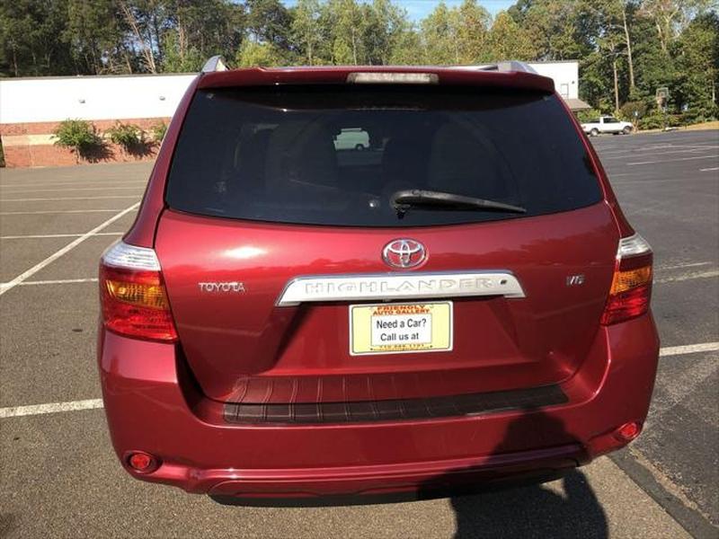 Toyota Highlander 2008 price $9,799