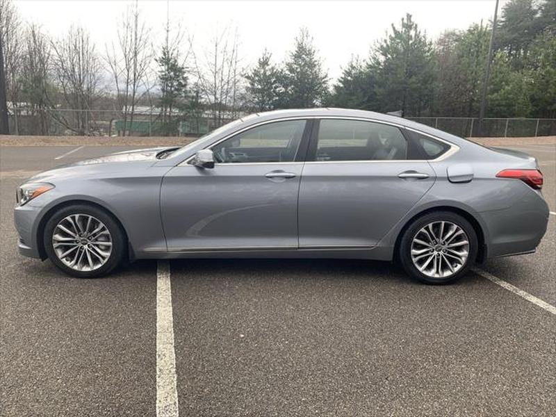 Hyundai Genesis 2015 price $12,999