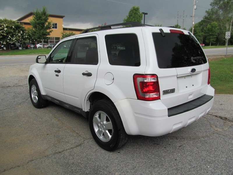 2010 Ford Escape FWD XLT,CD/Sirius,P/Seat,Alloy Wheels!CASH OR FINANCE U! - Auto Approval ...