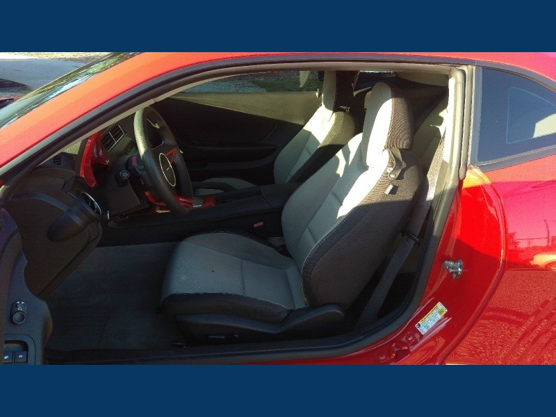 Chevrolet Camaro V6 LT1 Mnroof 2010 price $14995. Cash Or Financing Avai