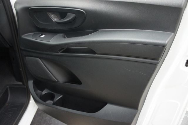Mercedes-Benz Metris Passenger Van 2016 price Call for Pricing.