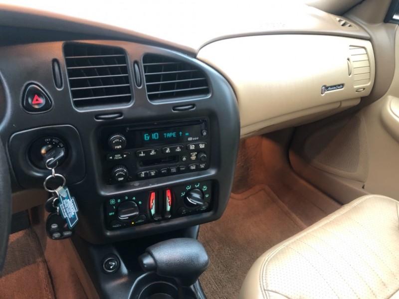Chevrolet Monte Carlo 2000 price $5,250