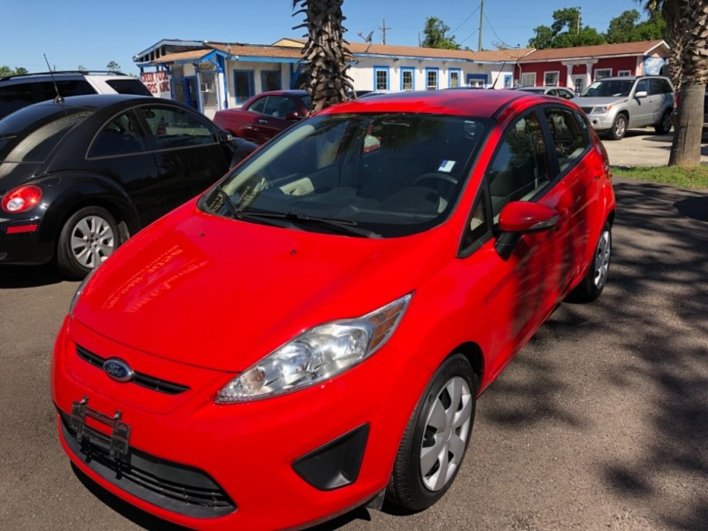 Ford Fiesta 2013 price $5,250