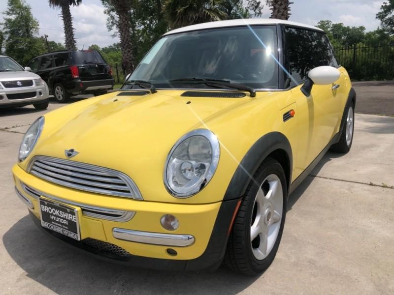 Mini Cooper Hardtop 2004 price $6,750
