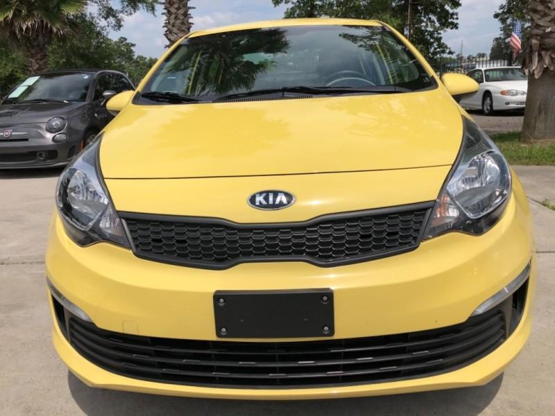 Kia Rio 2016 price $7,850