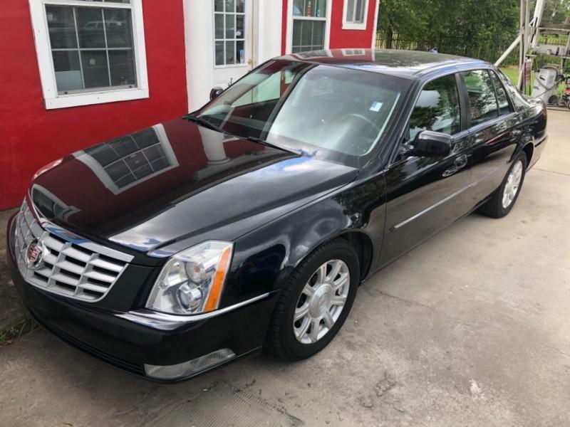 Cadillac DTS 2010 price $8,999