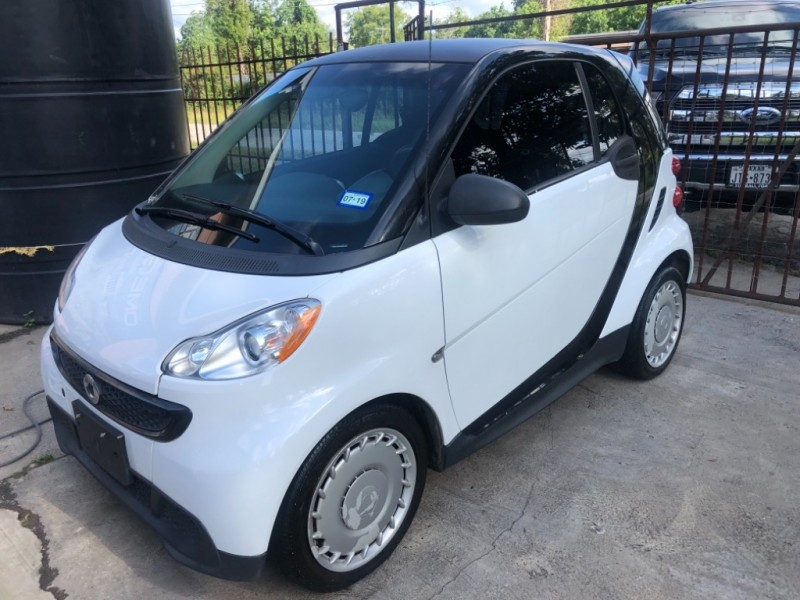 Smart fortwo 2013 price $4,999