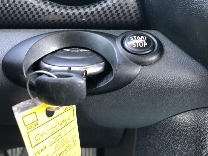 Mini Cooper Hardtop 2011 price $6,999