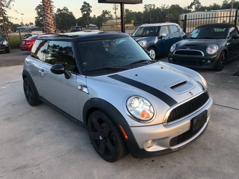 Mini Cooper Hardtop 2009 price $6,999