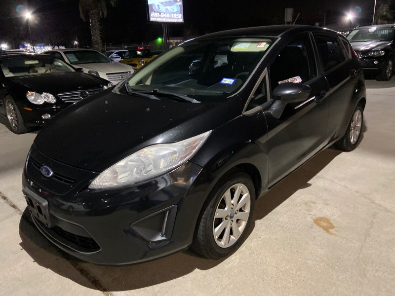 Ford Fiesta 2011 price $3,650