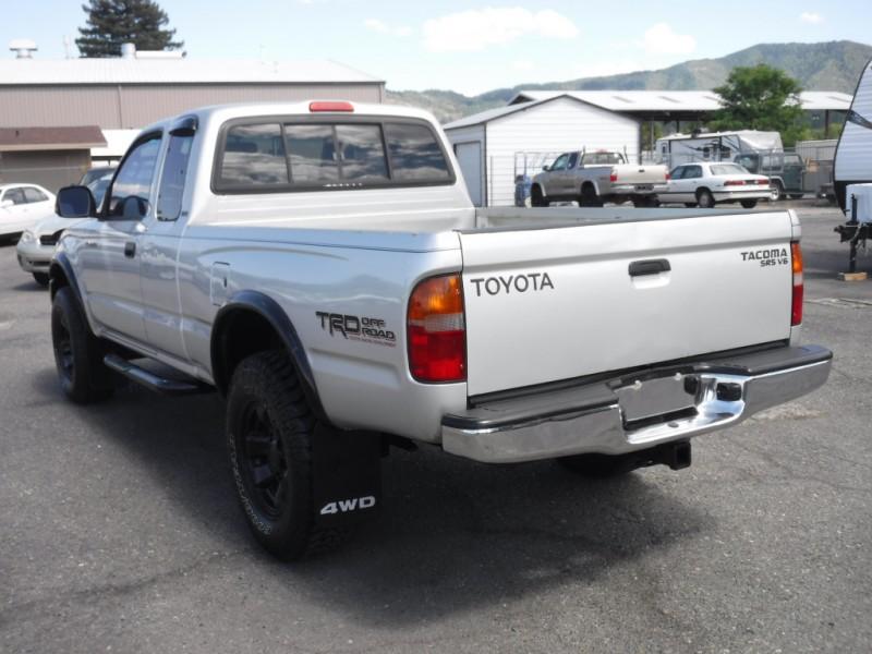 Toyota Tacoma 2000 price sold