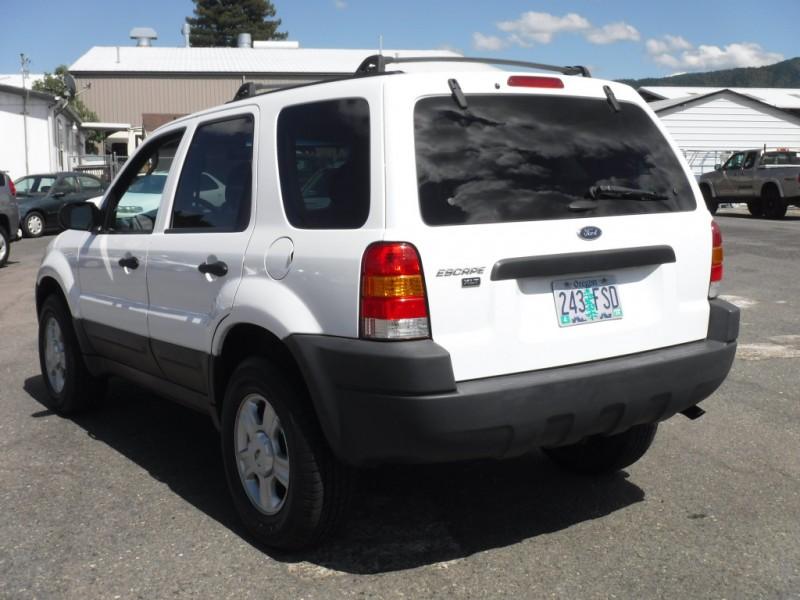 Ford Escape 2003 price $2,999