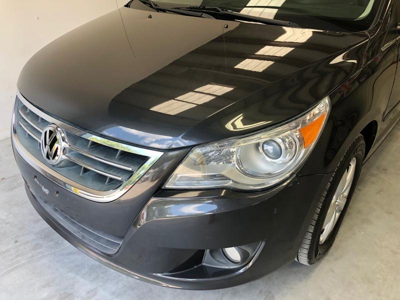 Volkswagen Routan 2012 price $7,995