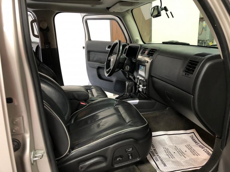 Hummer H3 2008 price $9,995