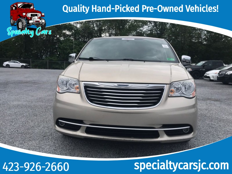 Chrysler Town & Country 2012 price $12,495