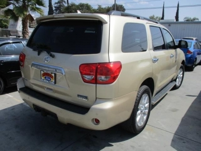 Toyota Sequoia 2010