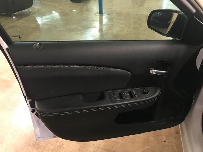 Dodge Avenger 2014 price $9,900