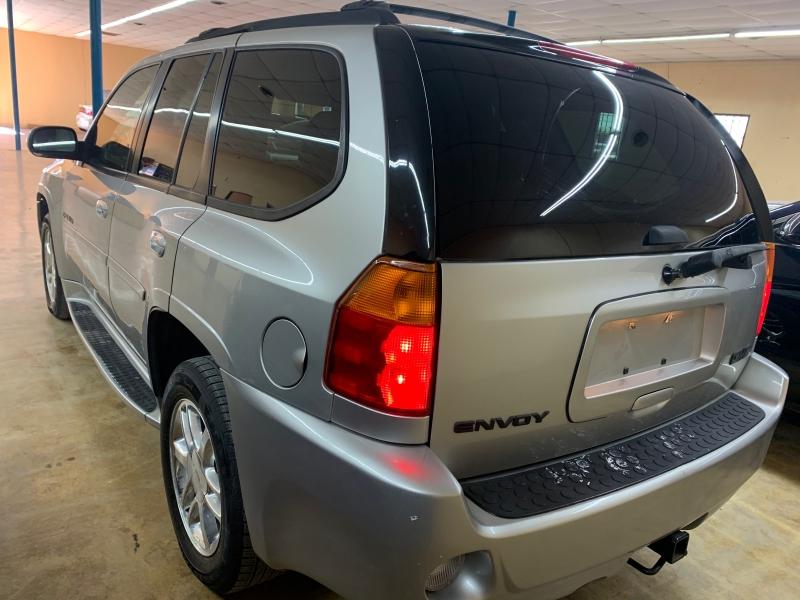GMC Envoy 2008 price $4,900 Cash