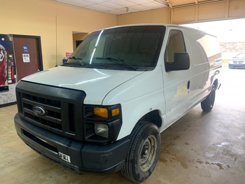 Ford Econoline Cargo Van 2013 price $10,900