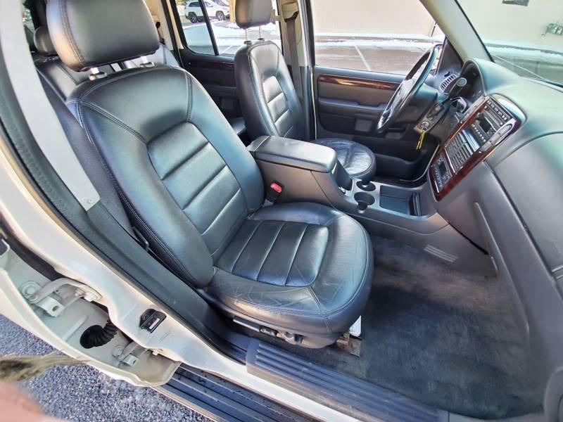 Ford Explorer 2003 price $1,995