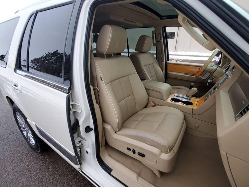 Lincoln Navigator 2008 price $7,500