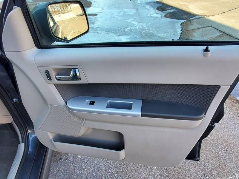 Mercury Mariner 2010 price $3,995