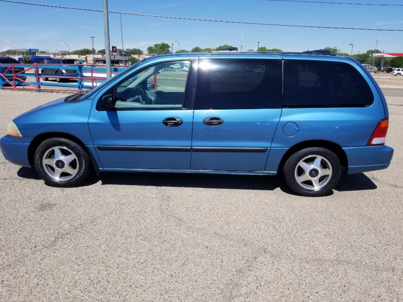 FORD WINDSTAR 2002 price $5,577