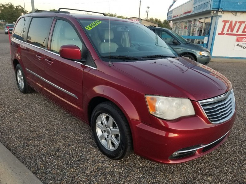 CHRYSLER TOWN & COUNTRY 2013 price $10,577
