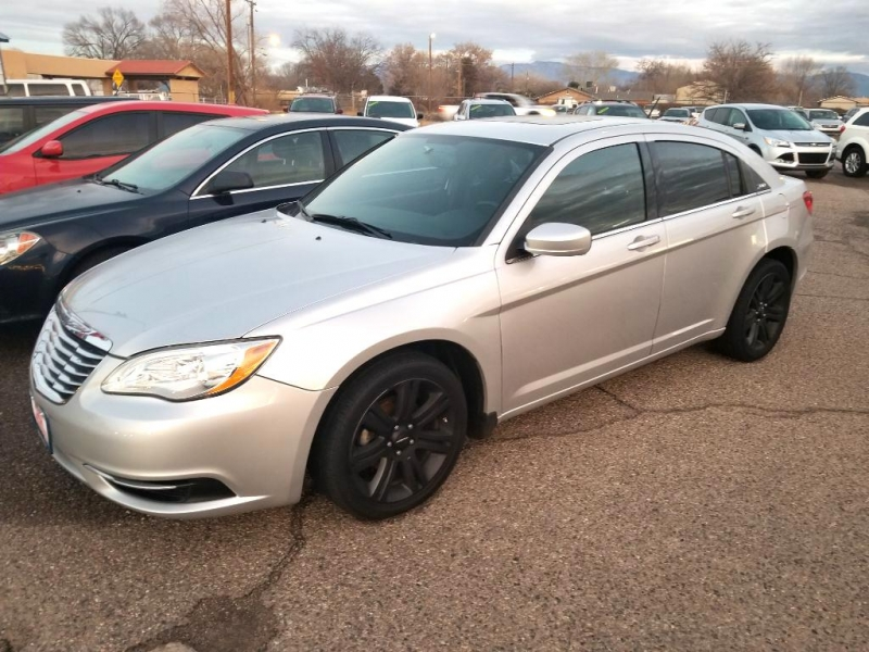 CHRYSLER 200 2012 price $9,577