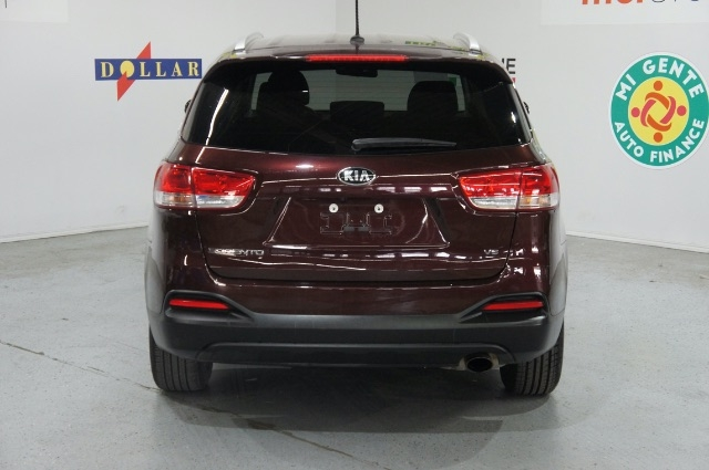 Kia Sorento 2018 price Call for Pricing.