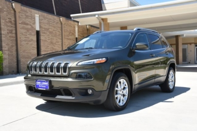2015 Jeep Cherokee Latitude with Only 64K Miles!!!