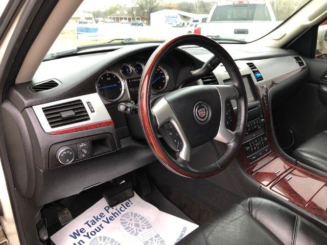 Cadillac Escalade 2009 price $26,750