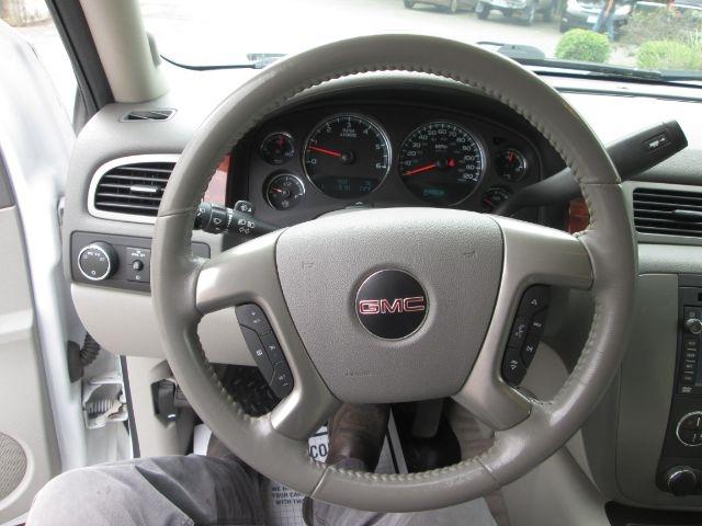 GMC Yukon XL 2010 price $22,950