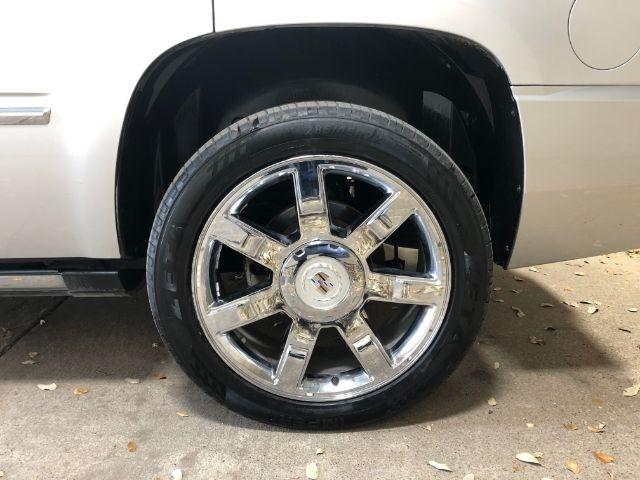 Cadillac Escalade 2010 price $25,950