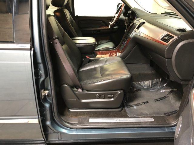 Cadillac Escalade 2009 price $23,950