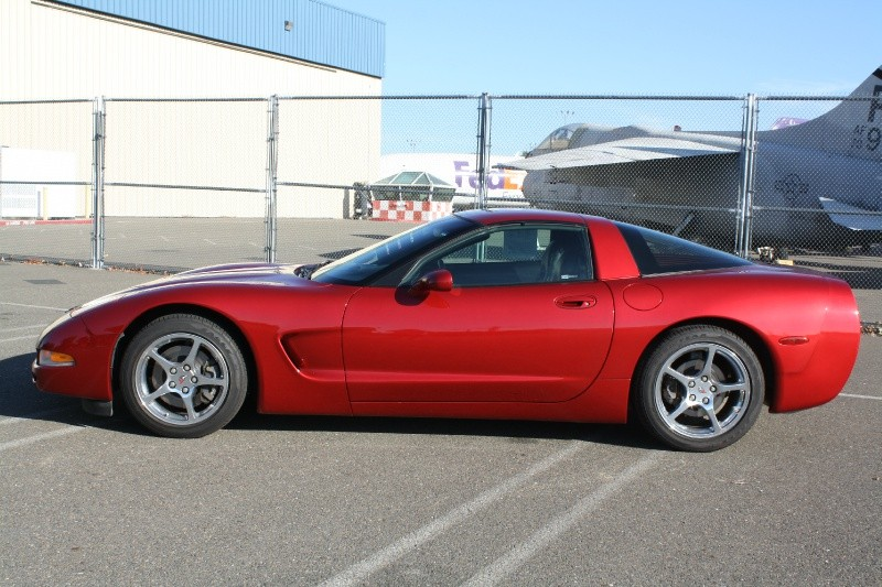 Chevrolet Corvette 2001 price $15,795