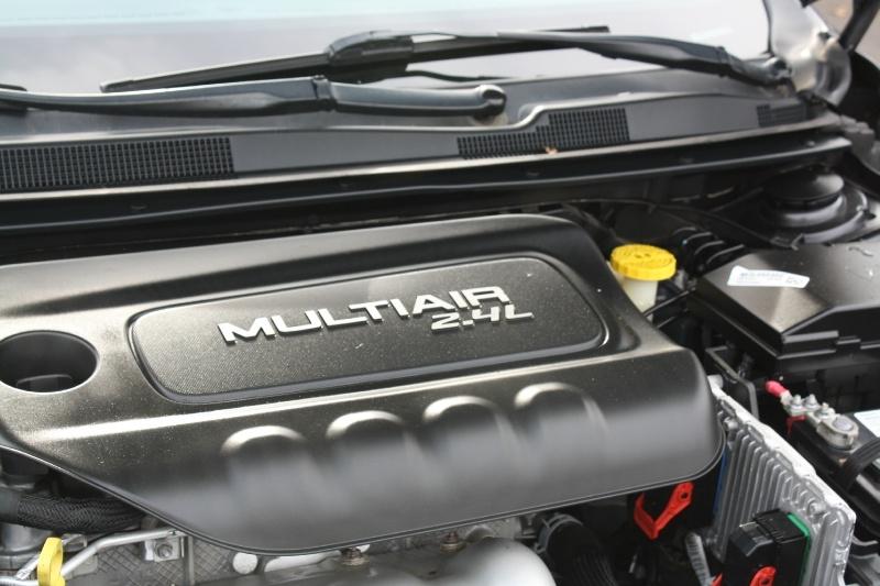 Chrysler 200 2015 price $9,985