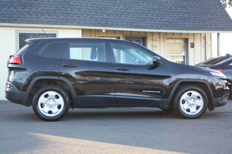 Jeep Cherokee 2016 price $8,999