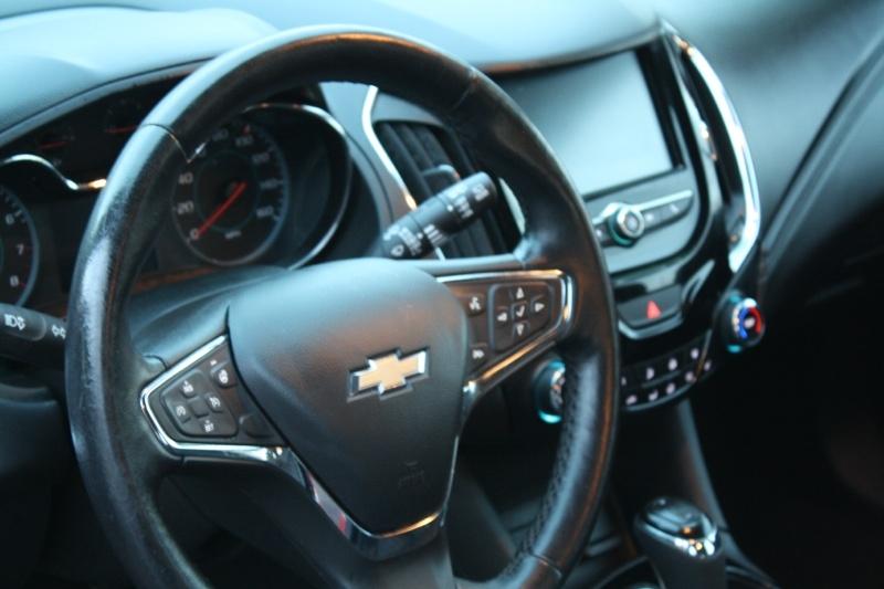 Chevrolet Cruze 2017 price $14,985