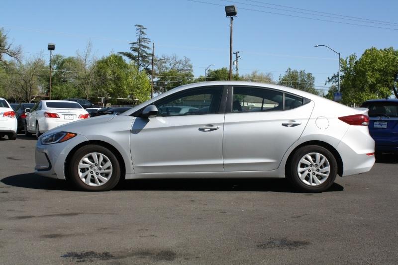 Hyundai Elantra 2018 price $10,495