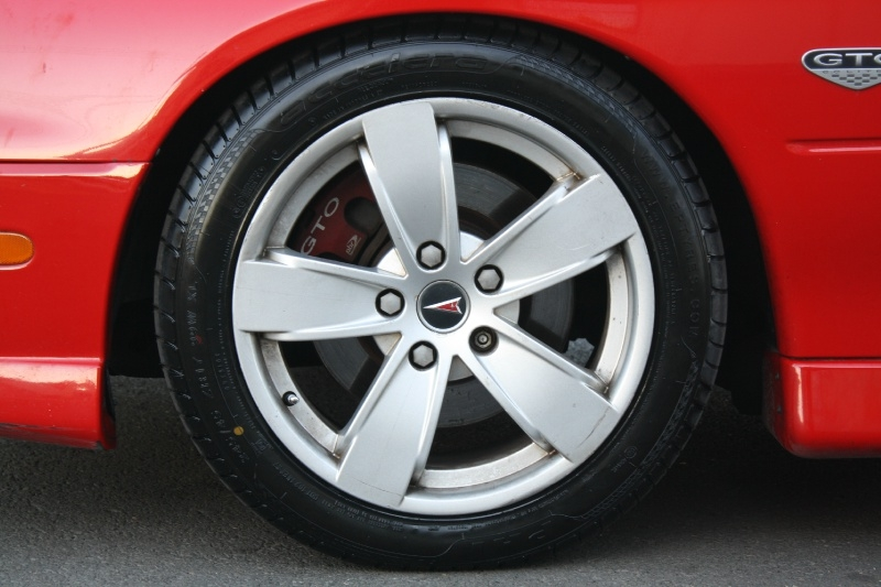 Pontiac GTO 2006 price $14,985
