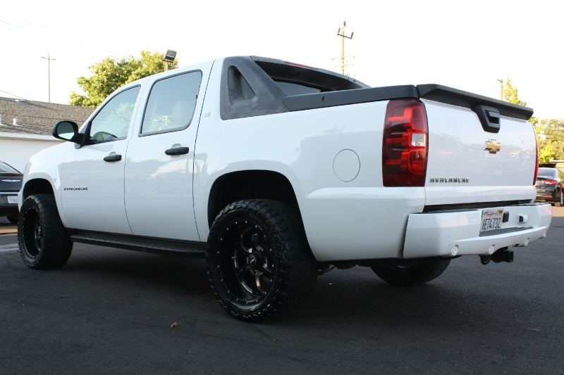 Chevrolet Avalanche 2007 price $10,985
